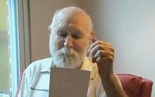 Tấm thiệp bất ngờ người cha nhận được hơn 20 năm sau khi con trai mất