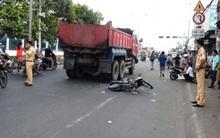 Thai phụ lại bị xe ben tông, kéo lê đi nhiều mét