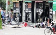 4 trụ xăng phát nổ, 3 người bị thương