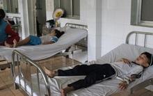 15 học sinh tiểu học nhập viện sau bữa trưa