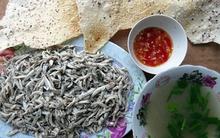 Về Mỹ Á ăn cá cơm