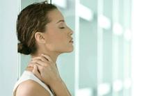 Đau vai gáy - bệnh thường gặp ở dân văn phòng