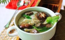 Nấu canh nấm mát lành bổ dưỡng cho cả nhà