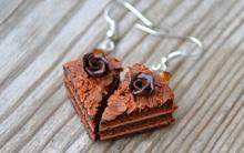 Tự chế khuyên tai hình bánh ngọt độc đáo