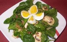 Giảm cân với salad rau chân vịt