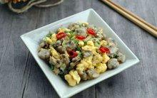Trứng xào ngao giản dị ngon cơm cho bữa tối