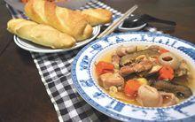 Gà nấu vải đậm đà mềm thơm cho cơm chiều ngon miệng