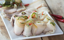 Món ngon cuối tuần: Thịt ba chỉ cuộn sấu