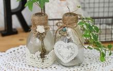Biến lọ thủy tinh thành lọ cắm hoa vintage thật xinh