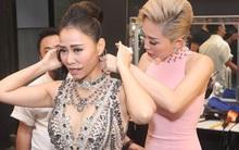 Tóc Tiên nhiệt tình giúp đỡ Thu Minh ở hậu trường Vietnam Idol