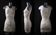 Bạn có muốn thử chiếc váy làm từ nấm thân thiện với môi trường?