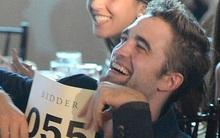 """Robert Pattinson cười """"thả ga"""", già và béo lên"""