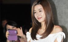 Jeon Ji Hyun xinh dịu dàng với váy trắng khoe vai trần