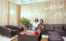 Biệt thự tràn ngập ánh nắng của vợ chồng Cẩm Vân - Khắc Triệu
