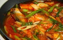 Tò mò món cá mòi nấu rau sam