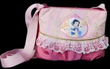 Túi xách điệu đà – món quà 20/10 mẹ tặng cho bé gái