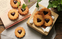 Bánh quy kẹp chocolate ngon đẹp cho dịp Valentine