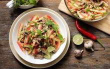 Tận dụng cùi dưa hấu làm salad ngon cực nhé!