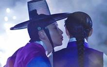 """Lee Jun Ki trao """"nụ hôn pháo hoa"""" cho """"bạn gái"""""""