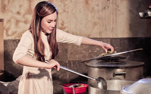 Hồ Quỳnh Hương tất bật vào bếp nấu ăn cho các em nhỏ