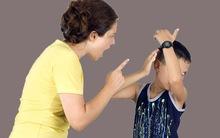 Quát mắng con không phải là điều tệ hại nhất khi làm cha mẹ