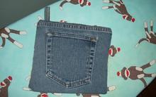 Ai cũng có một mớ quần jeans cũ nhưng chẳng ai nghĩ đến sẽ dùng chúng như thế này cả