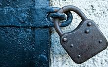 Ổ khóa gỉ, chiếc chìa khóa vàng và câu chuyện về góc khuất ai cũng có trong lòng