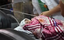 Bé Gấu, giọt máu của người mẹ từ chối điều trị ung thư để sinh con đã được xuất viện về nhà