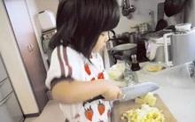 Cảm động lý do mẹ bắt bé gái 4 tuổi phải nấu cơm, rửa bát