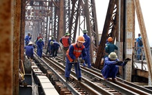 Cận cảnh đại công trường tu sửa cầu Long Biên
