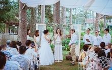 """""""Tụi mình đã có 1 đám cưới trong mơ, khách dưới 10 bàn và có thể ôm chầm, hôn má, nhảy múa... cùng khách"""""""