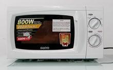 Lò vi sóng giúp chuyện bếp núc của vợ chồng tôi thuận tiện hơn