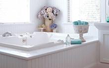 Bài trí phòng tắm tinh khôi với sắc trắng