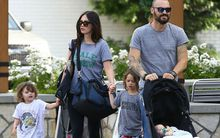 3 quý tử đáng yêu nhà Megan Fox được bố mẹ đưa đi chơi