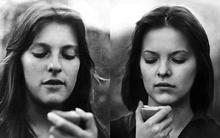 Thú vị bộ ảnh mẹ và con gái giống nhau như bản sao