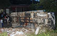 Xe tải mất lái gây tai nạn liên hoàn, 9 người nhập viện
