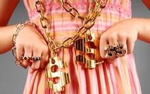 Nguy hiểm tiềm ẩn khi đeo các loại trang sức