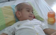 Cậu bé 4 tuổi với 5 cuộc phẫu thuật và 11 đợt truyền hóa chất xạ trị
