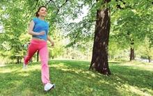 Lợi ích của việc đi bộ 90 phút ngoài trời mỗi ngày