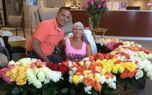 Người chồng lặn lội cả thành phố để mua cho vợ 500 bông hồng trong lần xạ trị cuối cùng