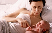 Lý do khiến các mẹ phải suy nghĩ lại về việc luyện ngủ cho con