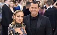 """Jennifer Lopez """"rục rịch"""" chuẩn bị đám cưới lần thứ 4 ở độ tuổi 50"""