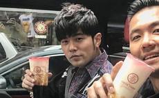"""Quán trà sữa của Châu Kiệt Luân siêu """"hot"""" sau MV mới, xuất hiện tình trạng bị kẻ xấu lợi dụng"""