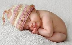 Trẻ không ngủ ngoan có thể do bố mẹ đã mắc phải 1 trong 8 sai lầm nghiêm trọng