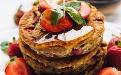 Pancake dâu tây cho bữa xế chiều
