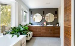 Nếu định cải tạo phòng tắm, bạn không thể bỏ lỡ những gợi ý hữu ích này
