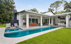 """Những ngôi nhà sở hữu bể bơi ngoài trời đẹp đến """"lịm tim"""""""
