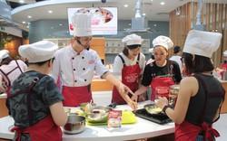 Các mẹ hào hứng với lớp học chế biến món ăn cho bé