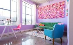 Lấy cầu vồng làm ý tưởng trang trí nhà, căn hộ nhỏ 35m² của cô gái trẻ đang gây sốt trên Instagram