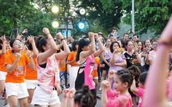 Flashmob Bước nhảy cầu vồng cùng Moist Diane thu hút đông đảo bạn nhỏ và du khách